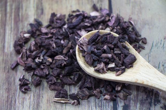 乾燥させた紫根